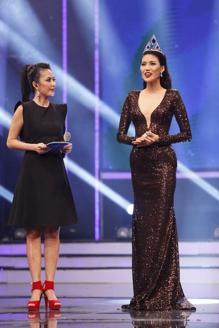 Lan Khuê chia sẻ niềm vui khi trở lại sân khấu Hoa khôi Áo dài Việt Nam