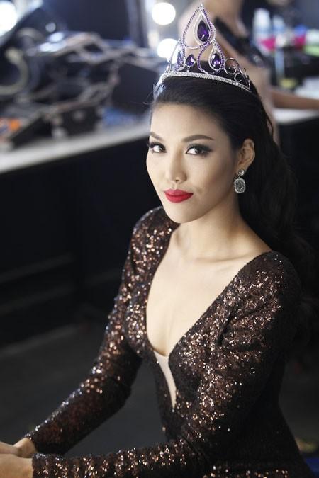 Lan Khuê nhường quyền tham dự Miss Grand International cho thí sinh Hoa khôi Áo dài