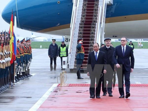 Lễ đón Thủ tướng Nguyễn Xuân Phúc tại sân bay quốc tế Vnukovo 2 (Moskva, Nga).