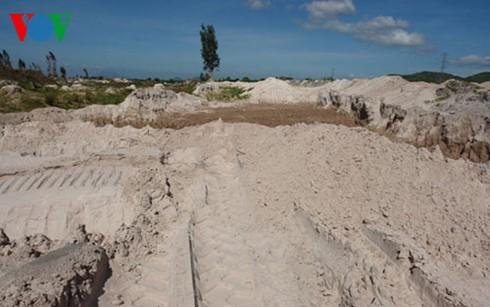 Các chủ cát lậu ở Hàm Thuận Bắc thường đội lốt làm trang trại