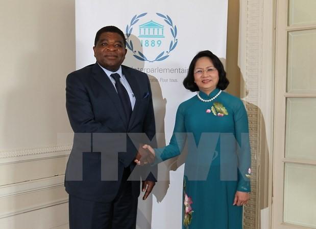 Phó Chủ tịch nước Đặng Thị Ngọc Thịnh hội kiến Tổng Thư ký Liên minh Nghị viện Thế giới (IPU) Martin Chungong. (Ảnh: TTXVN)