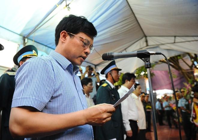 Clip người dân quê hương Bắc Giang khóc thương Đại tá Trần Quang Khải