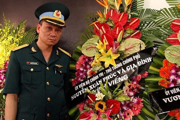 Thủ tướng Nguyễn Xuân Phúc và gia đình gửi vòng hoa viếng Đại tá Trần Quang Khải (Ảnh: VNE)