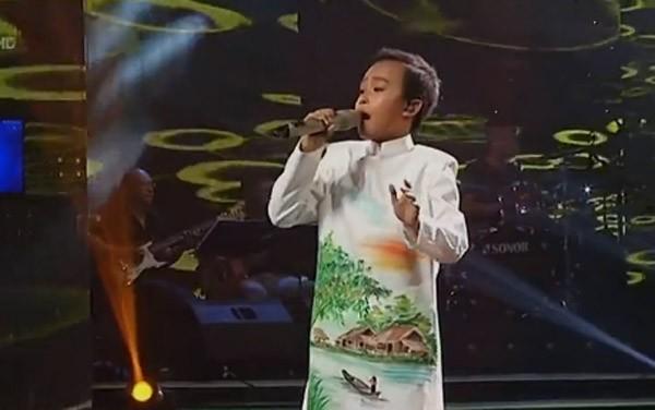 """Cậu bé """"hát đám cưới"""" Hồ Văn Cường xuất sắc trở thành quán quân Vietnam Idol kids"""