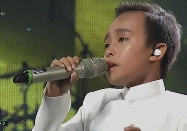"""Cậu bé """"hát đám cưới"""" Hồ Văn Cường xuất sắc trở thành quán quân Vietnam Idol kids ảnh 9"""