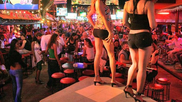 """Những hình ảnh phổ biến tại các phố """"đèn đỏ"""" ở Thái Lan"""