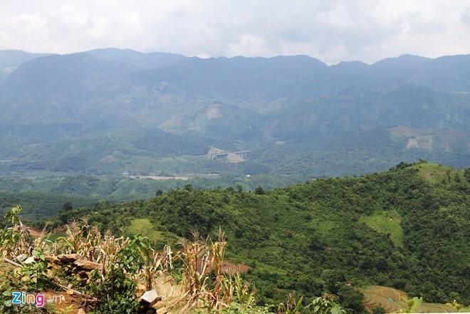 Hiểm trở lối lên căn nhà có 4 người bị giết ở Lào Cai ảnh 12