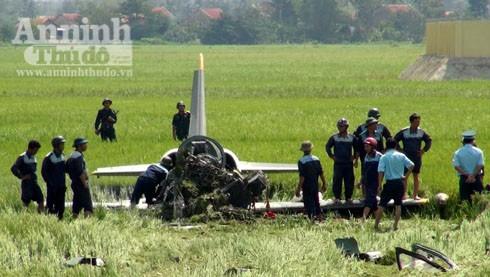 Máy bay rơi ở Phú Yên: Thêm hình ảnh công tác cứu hộ, cứu nạn tại hiện trường ảnh 3
