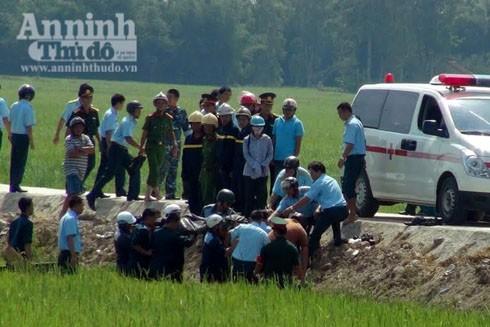 Máy bay rơi ở Phú Yên: Thêm hình ảnh công tác cứu hộ, cứu nạn tại hiện trường ảnh 2
