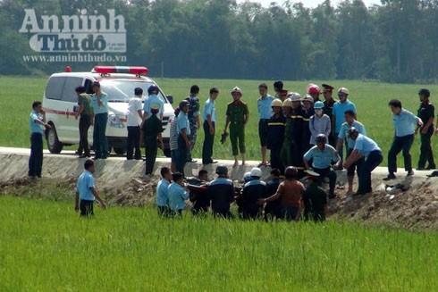 Máy bay rơi ở Phú Yên: Thêm hình ảnh công tác cứu hộ, cứu nạn tại hiện trường ảnh 1
