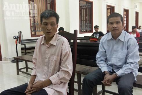 Lô Văn Thìn và Chích Trường Hoài trong phiên xét xử sáng nay