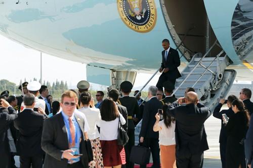 Tổng thống Obama đến sân bay Hàng Châu hôm 3-9 (Ảnh: Reuters)