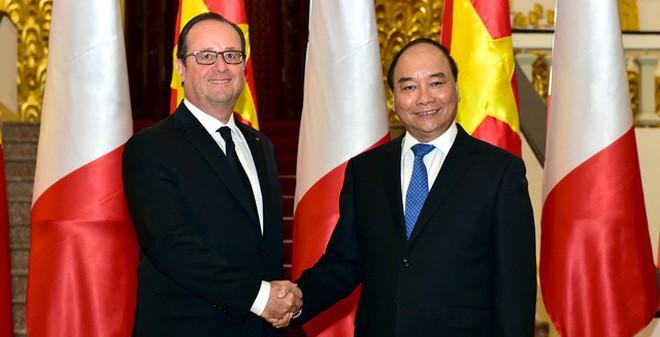Thủ tướng Nguyễn Xuân Phúc và Tổng thống Pháp Francois Hollande trong cuộc hội kiến