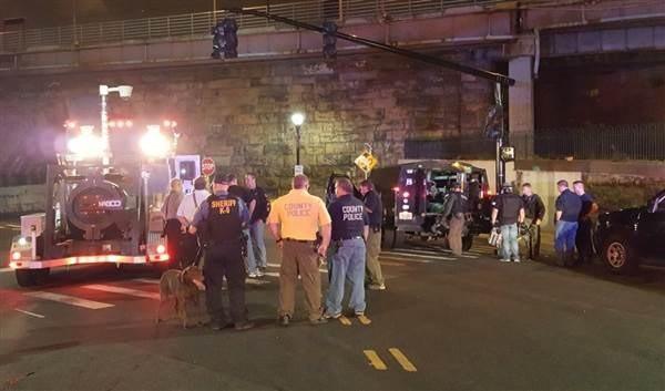 Cảnh sát điều tra tại hiện trường vụ nổ. (Nguồn: nbcnews.com)