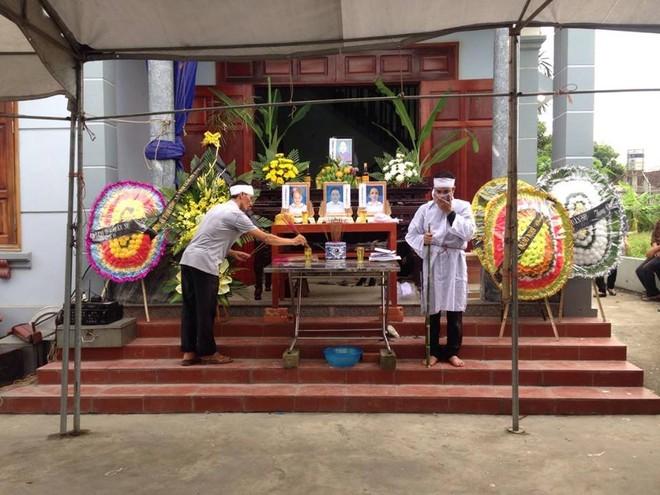 Thảm án tại Quảng Ninh: Phát hiện hàng loạt dấu tay, chân nghi của kẻ sát hại 4 bà cháu