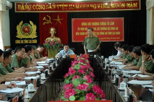 Bộ trưởng Tô Lâm phát biểu tại buổi làm việc tại Công an tỉnh Lai Châu