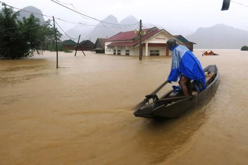 Do ảnh hưởng của bão Sarika đang hoạt động gần Biển Đông, nên từ ngày 19-22/10, các tỉnh từ Nghệ An - Phú Yên sẽ có mưa lớn