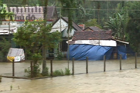 Nhiều vùng nông thôn ở tỉnh Quảng Ngãi ngập sâu trong đợt mưa lũ vừa qua