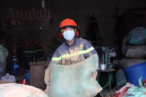 Di chuyển những vật liệu dễ cháy ra khỏi khu vực nhà xưởng