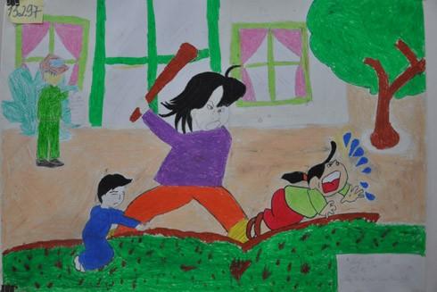 """Giải Nhì là tác phẩm """"Hãy bảo vệ trẻ em khỏi đòn roi"""" của tác giả Lương Thị Sinh, sinh năm 2001 đến từ Điện Biên Phủ, nói về thông điệp cần có những người bảo vệ cho trẻ em khỏi bạo lực."""