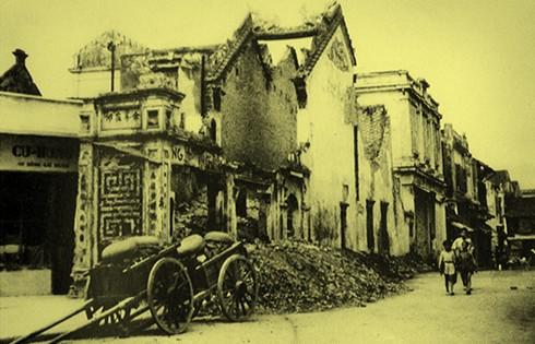 Chùm ảnh khó quên về Hà Nội mùa đông 1946 (4): Phố phường Hà Nội những năm kháng chiến ảnh 13