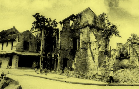 Chùm ảnh khó quên về Hà Nội mùa đông 1946 (4): Phố phường Hà Nội những năm kháng chiến ảnh 11