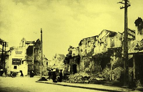 Chùm ảnh khó quên về Hà Nội mùa đông 1946 (4): Phố phường Hà Nội những năm kháng chiến ảnh 12