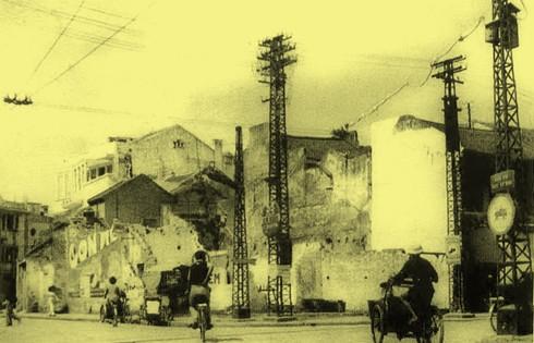 Chùm ảnh khó quên về Hà Nội mùa đông 1946 (4): Phố phường Hà Nội những năm kháng chiến ảnh 10