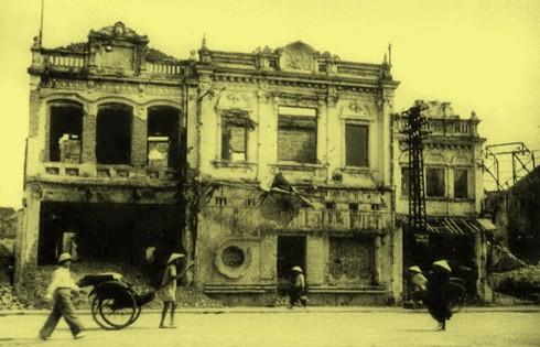 Chùm ảnh khó quên về Hà Nội mùa đông 1946 (4): Phố phường Hà Nội những năm kháng chiến ảnh 8