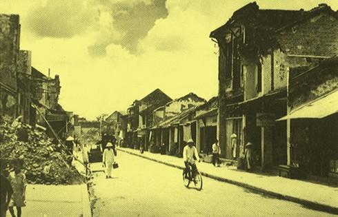 Chùm ảnh khó quên về Hà Nội mùa đông 1946 (4): Phố phường Hà Nội những năm kháng chiến ảnh 7