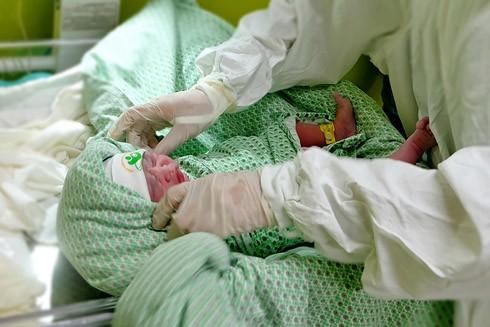Nhật ký 72 giờ đầu tiên của em bé sơ sinh thế hệ 2016 ảnh 5
