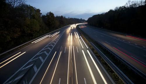 Cao tốc Autobahn, hệ thống giao thông tốc độ cao bậc nhất thế giới cũng không lắp đèn