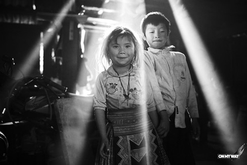 Những đứa trẻ ở xã Háng Đồng