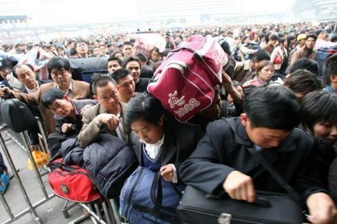 """Hình ảnh """"khủng khiếp"""" từ cuộc di cư về quê ăn Tết của người Trung Quốc ảnh 7"""