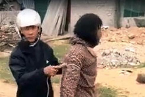 Người phụ nữ bị đuổi bắt trong clip