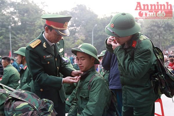 Những hình ảnh xúc động tại lễ giao nhận quân 2017 ảnh 20