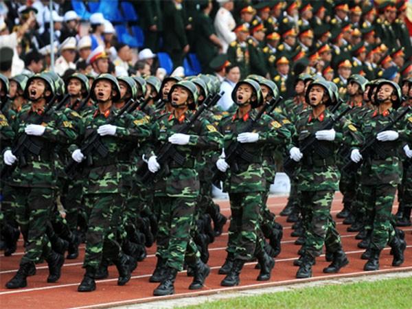 Mitting, diễu hành, diễu binh là nghi lễ quan trọng nhất trong các chương trình mừng 40 năm ngày thống nhất nước. Ảnh minh họa: Quý Đoàn