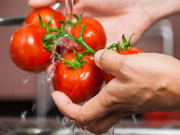9 thực phẩm dễ nhiễm bệnh khi ăn ảnh 1