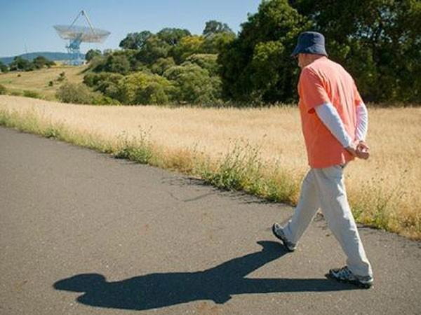 Sau chữa trị ung thư tuyến tiền liệt nên đi bộ ảnh 1