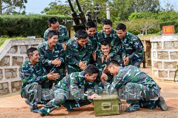 Sư đoàn Phòng không 377 chào mừng Đại hội Đảng ảnh 15