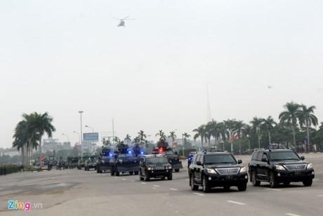 Dàn xe chống khủng bố tham gia bảo vệ Đại hội Đảng