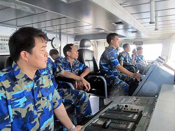 Cán bộ, chiến sĩ Tàu CSB 8003 trong quá trình làm nhiệm vụ trên biển
