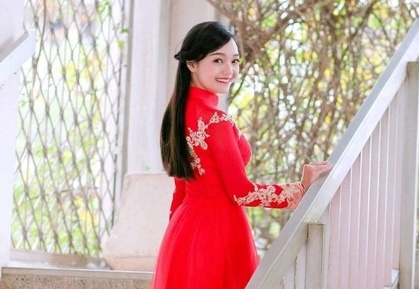 """Nữ sinh Trần Mỹ Linh: """"Tớ nói thật là tay ngài Barack Obama ấm lắm"""" ảnh 3"""