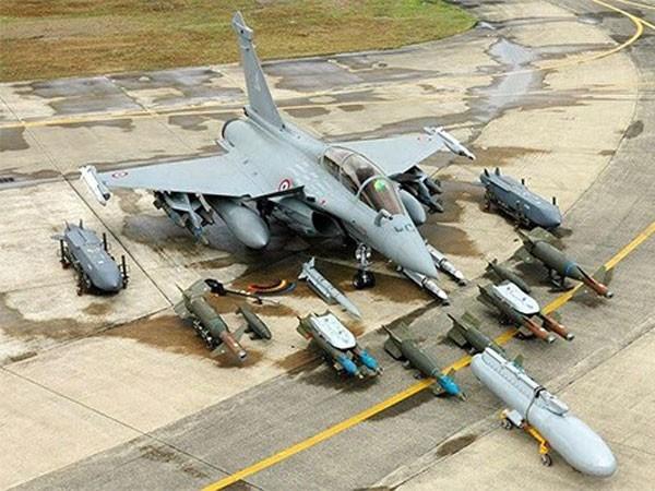 Máy bay chiến đấu Rafale và hệ thống vũ khí do Pháp sản xuất. Ảnh: defencyclopedia.com