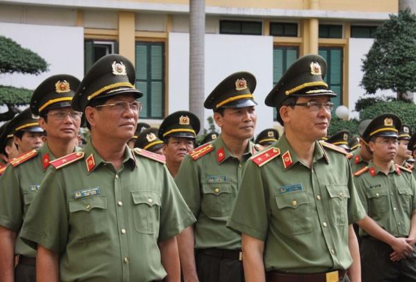 Cán bộ, chiến sĩ Công an trong trang phục cải tiến