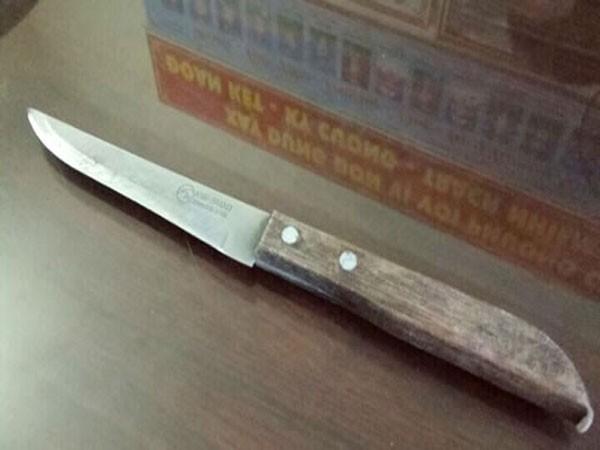 Con dao nhọn bà P. dùng để đâm anh T