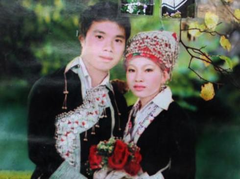 Vợ chồng anh Nải trong ngày cưới. Ảnh: zing.vn