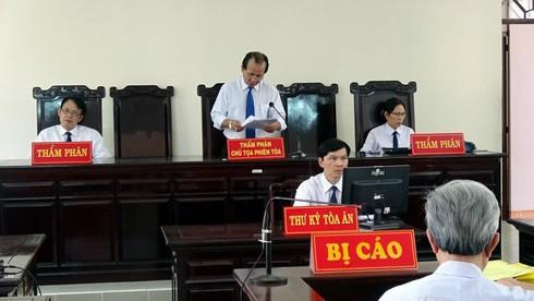 Phiên xử bị cáo Nguyễn Khắc Thủy - Ảnh: TL