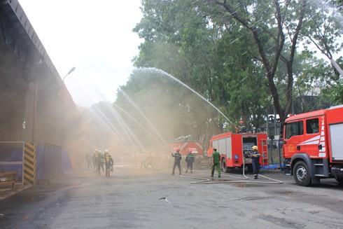 Luyện tập chữa cháy và cứu nạn cứu hộ