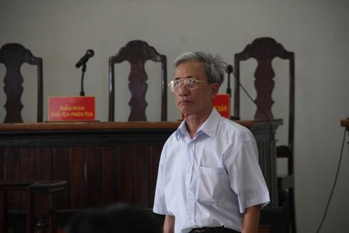 Bị án Nguyễn Khắc Thủy tại phiên tòa phúc thẩm
